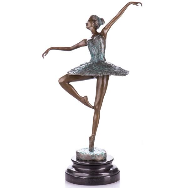 Bronzefigur Ballerina mit grüner Pattinierung YB514