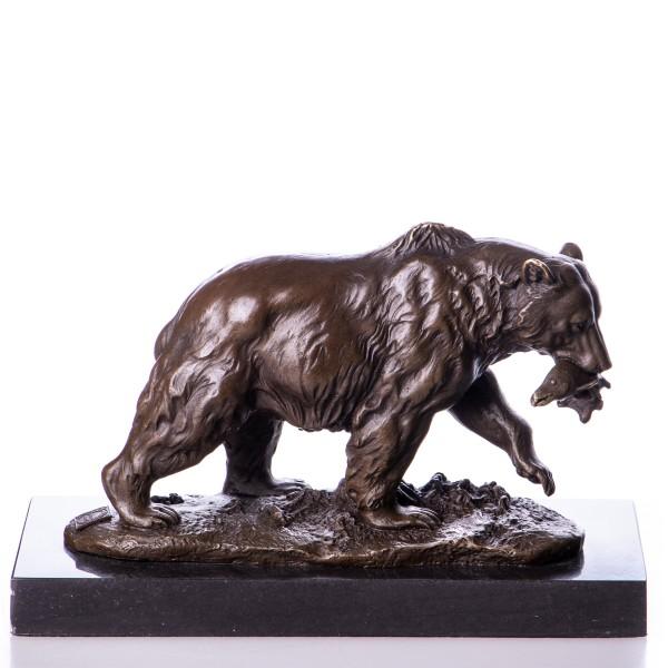 Bronzefigur Bär mit Fisch BT461